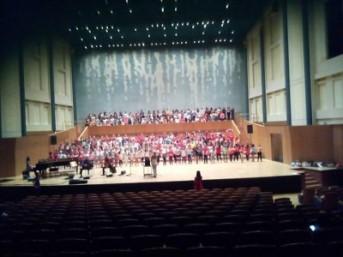 Φέτος είχαμε τη χαρά με την Παιδική και Νεανική Χορωδία του ΣΦΜΣ   Αρμονίας  Γένεσις   5328bdc013d